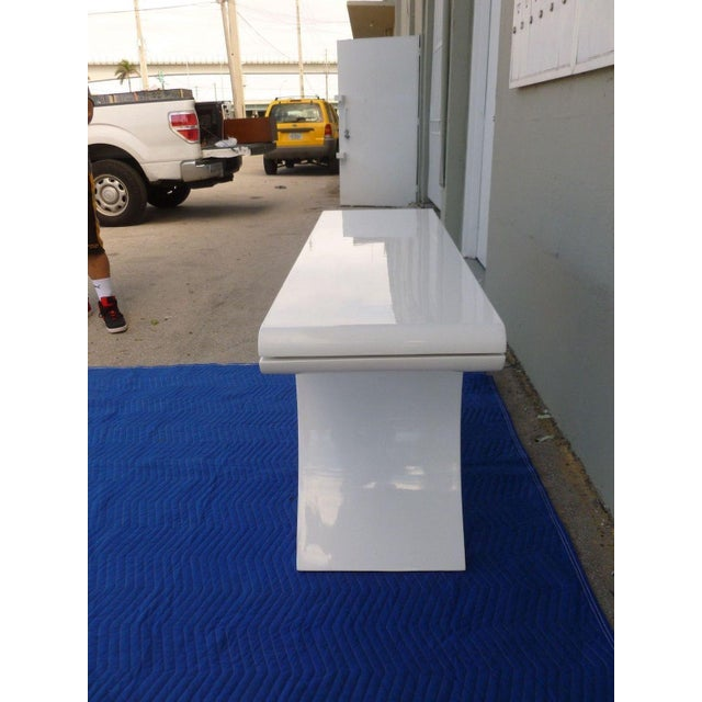 1970s 1970's Mid-Century Modern White Lacquer Console Table For Sale - Image 5 of 7