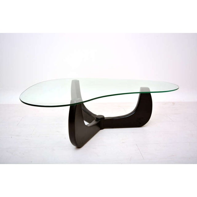 Noguchi Mid-Century Modern Coffee Table For Sale - Image 4 of 7