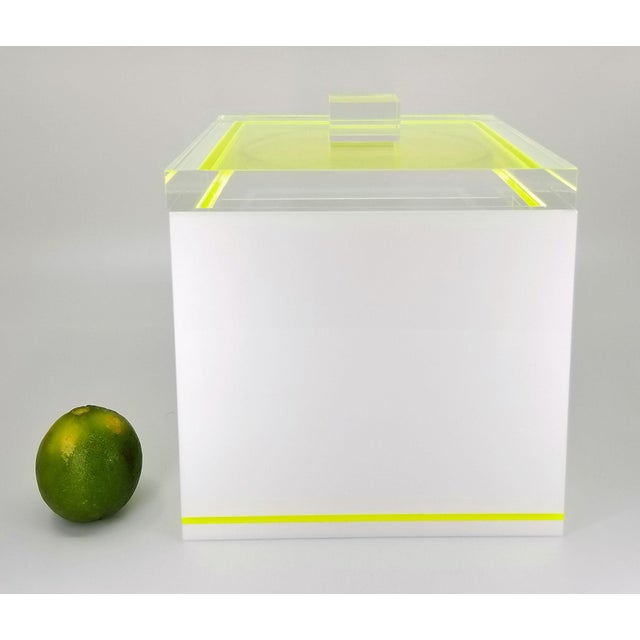 Tinsley Mortimer Fluorescent Neon Yellow and White Lucite Ice Bucket With Lid - Contemporary For Sale - Image 9 of 13
