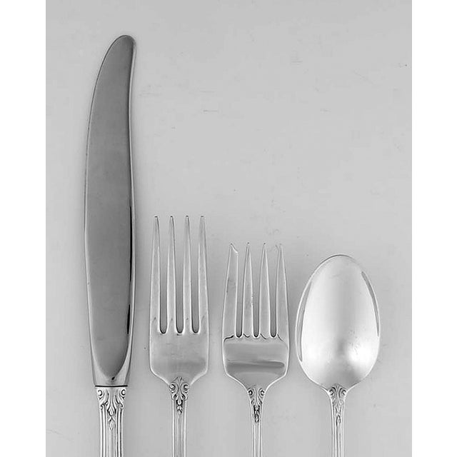 Traditional Wallace Rose Point (Sterling, 1934) 4 Piece Place Size Setting For Sale - Image 3 of 8