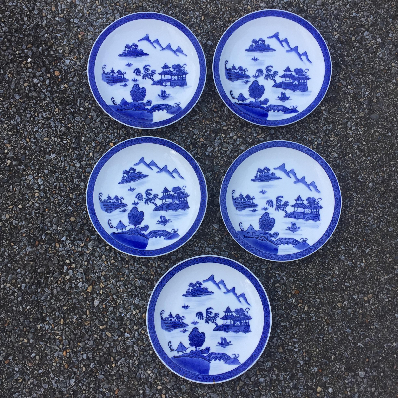 Chinese Pagoda Blue White Dinner Plates - Set of 5 - Image 2 of 9 & Chinese Pagoda Blue White Dinner Plates - Set of 5 | Chairish