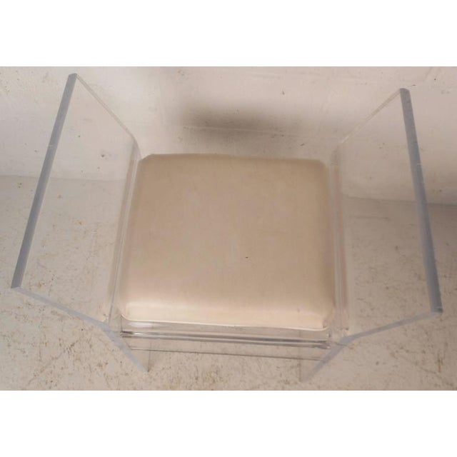 Mid-Century Modern Vinyl and Lucite Bench For Sale In New York - Image 6 of 6