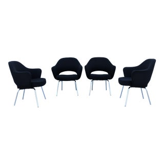 1950 Eero Saarinen Vintage Executive Arm Chairs - Set of 4 For Sale