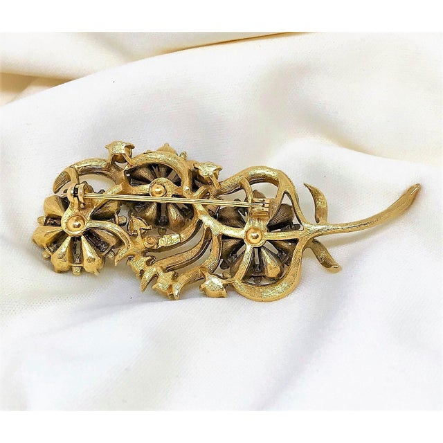 1960s 1960s Coro Jewel-Tone Faceted Stone Brooch For Sale - Image 5 of 6