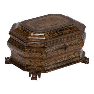 Early 19th Century Export Chinoiserie Lacquer Box on Carved Feet For Sale