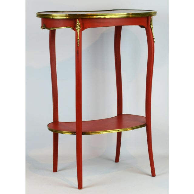French Provincial Painted & Bronze-Mounted Kidney Shape Accent Table For Sale - Image 4 of 12