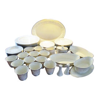 Lenox Windsong China Set of 12 Place Settings, Gravy Boat and Serving Pieces - 68 Piece Set For Sale