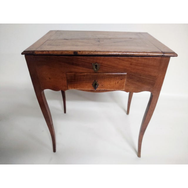 Early 19th Century Antique French Dressing Table. For Sale - Image 9 of 9