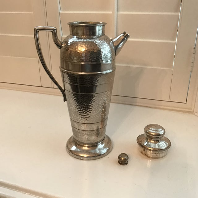 Forbes Silver Co. Art Deco Martini Shaker For Sale - Image 4 of 11