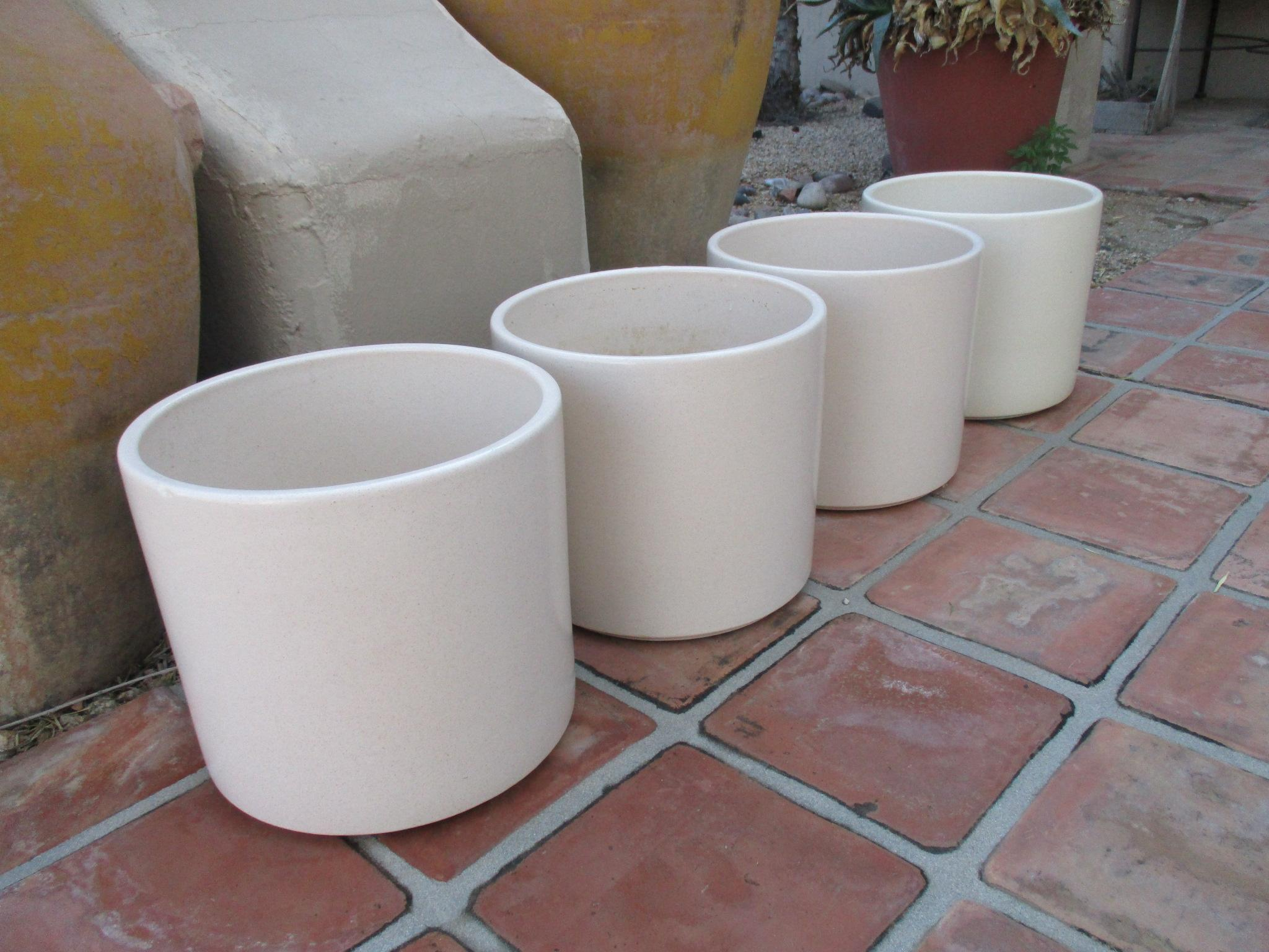 Ideal Gainey Mid Century Modern Planter Pots Pot - Set 4   Chairish DF39