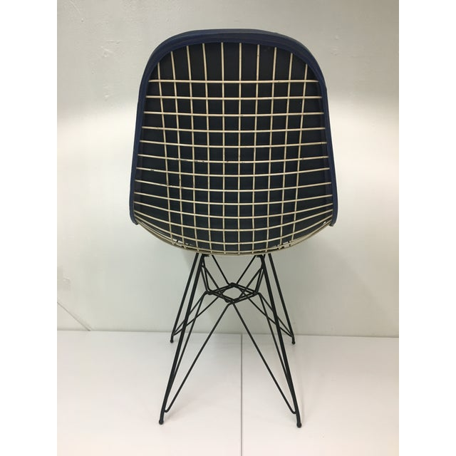 1950s Eiffel Side Chair in Navy Blue Naugahyde by Charles Eames for Herman Miller For Sale - Image 5 of 10