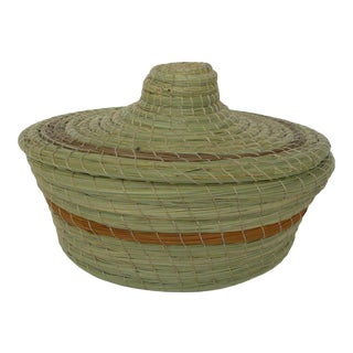 Moroccan Hand-Woven Wicker Basket Sotrage Boxe Vegetable Fiber For Sale