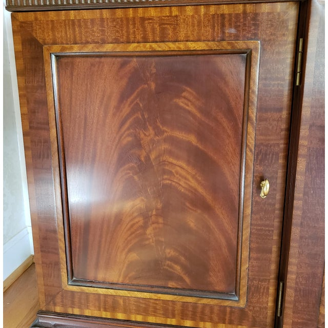 Wood Councill Craftsman Inlaid Banded Flame Mahogany China Cabinet For Sale - Image 7 of 12