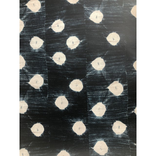 St Frank Indigo Arrows Wallpaper - 17 Yard Continuous Roll For Sale