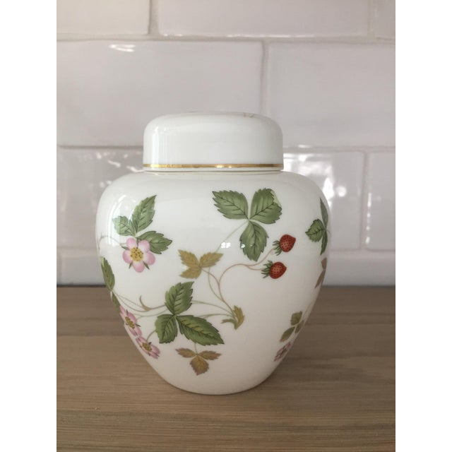 Ceramic Petite Wedgewood Wild Strawberry Ginger Jar For Sale - Image 7 of 7