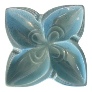 1960s Pottery Star Flower Ashtray in Aqua For Sale