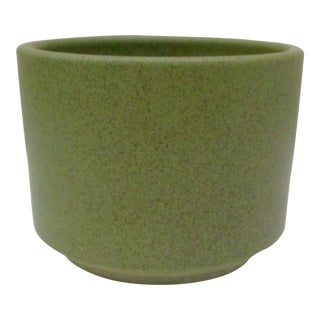 Vintage Mid-Century Modern Gainey Speckled Planter Pot Avocado Green For Sale