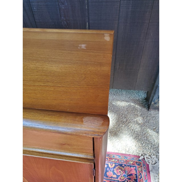 Brown Drexel Mid-Century Modern Parallel China Cabinet For Sale - Image 8 of 13