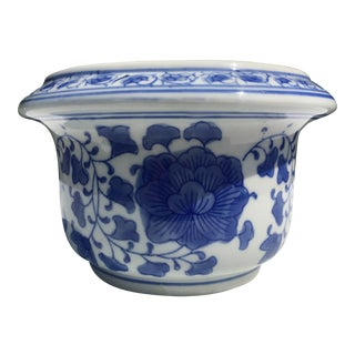 Chinoiserie Blue and White Porcelain Planter Pot For Sale