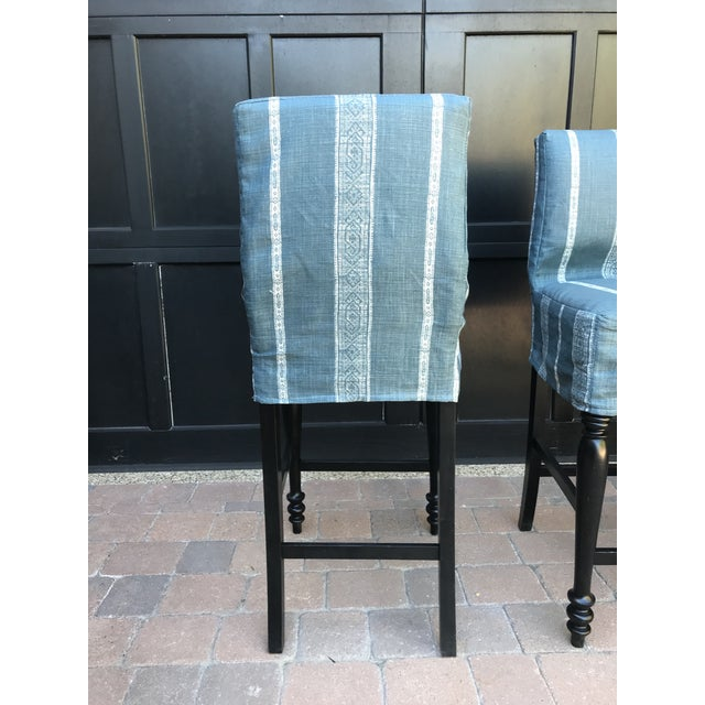 Black Oak Counterstool With Carolina Irving Patmos Stripe Reverse Slipcovers - Set of 4 For Sale - Image 10 of 13