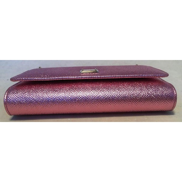 Boho Chic Nwot Dolce and Gabbana Pink Sicily Von Wallet Cell Phone Clutch Purse For Sale - Image 3 of 10