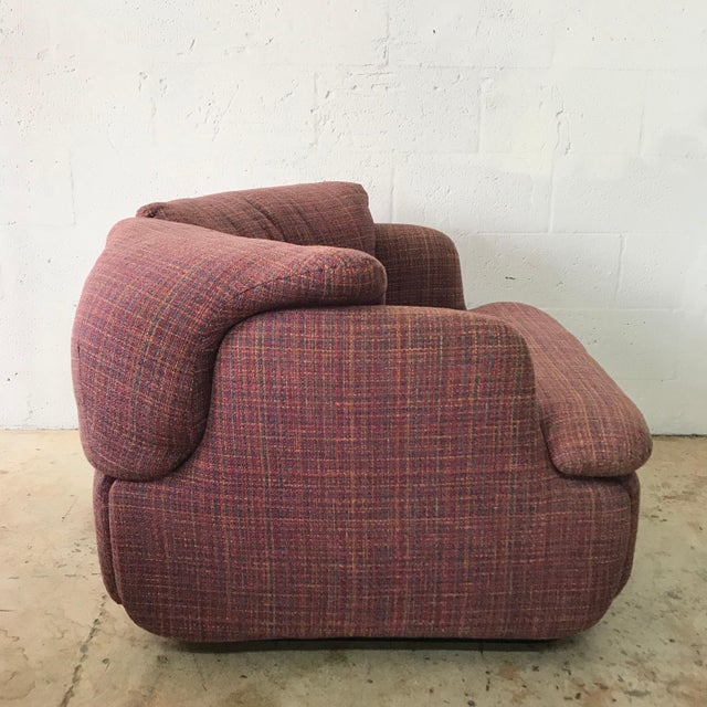 "Saporiti Pair of Pink Tweed ""Confidential"" Chairs by Alberto Rosselli for Saporiti Italia For Sale - Image 4 of 8"