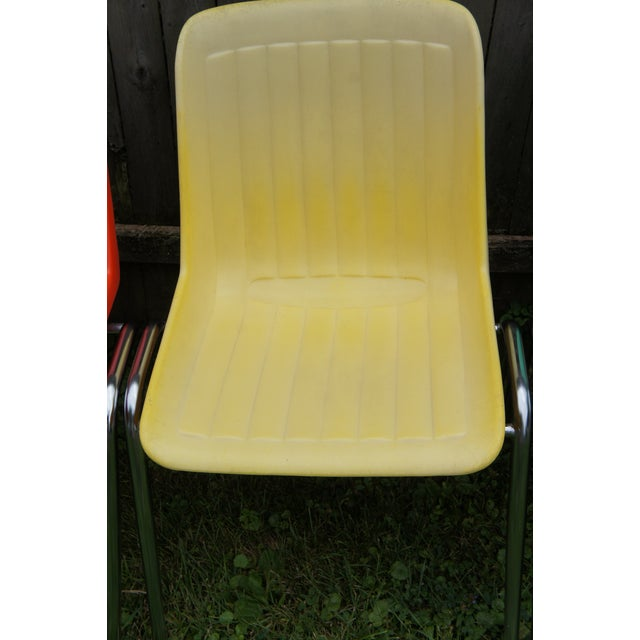 Mid-Century Modern Vintage Columbia Mfg. Stacking Shell Chairs- Set of 10 For Sale - Image 3 of 12
