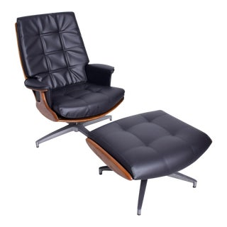 Heywood Wakefield Danish Modern Teak & Faux Leather Lounge Chair & Ottoman 710d For Sale