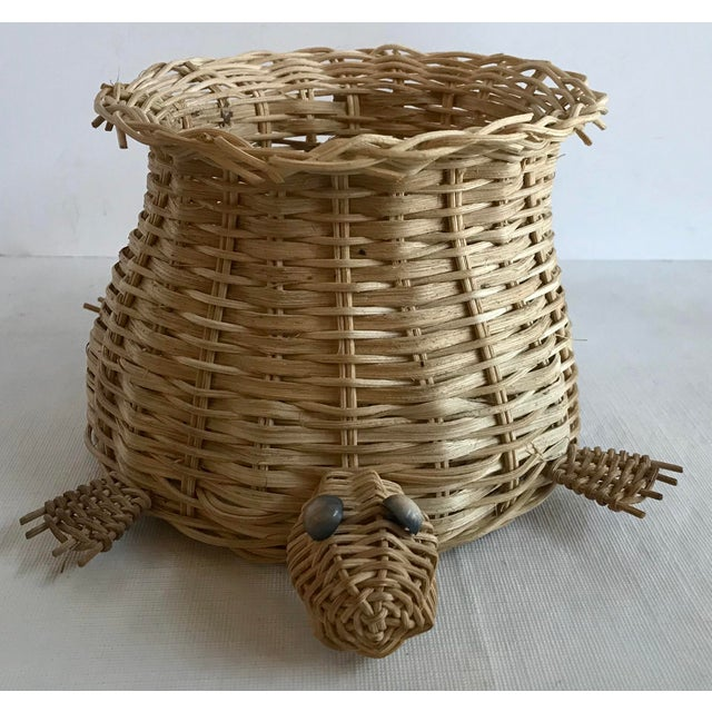 Love this cute vintage turtle shaped basket for holding a planter!