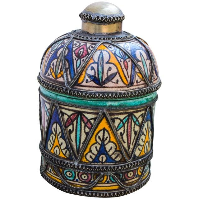 Metal Andalusian Filigree Ceramic Box For Sale - Image 7 of 13
