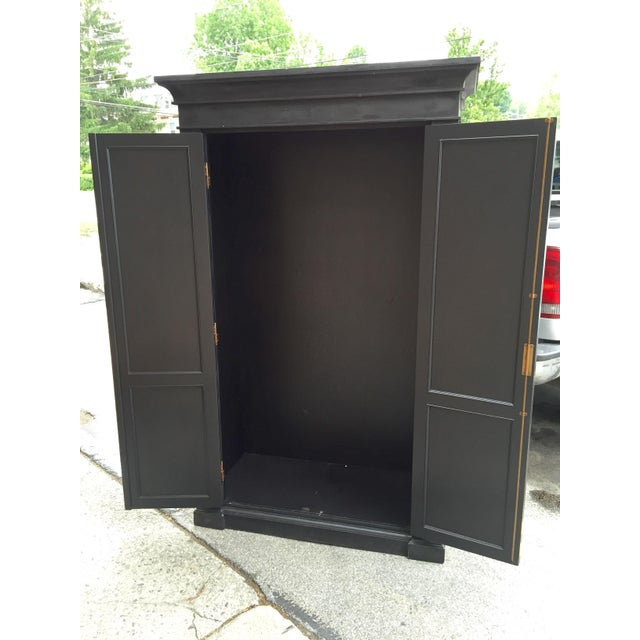 European Grand Scale Armoire - Image 4 of 5