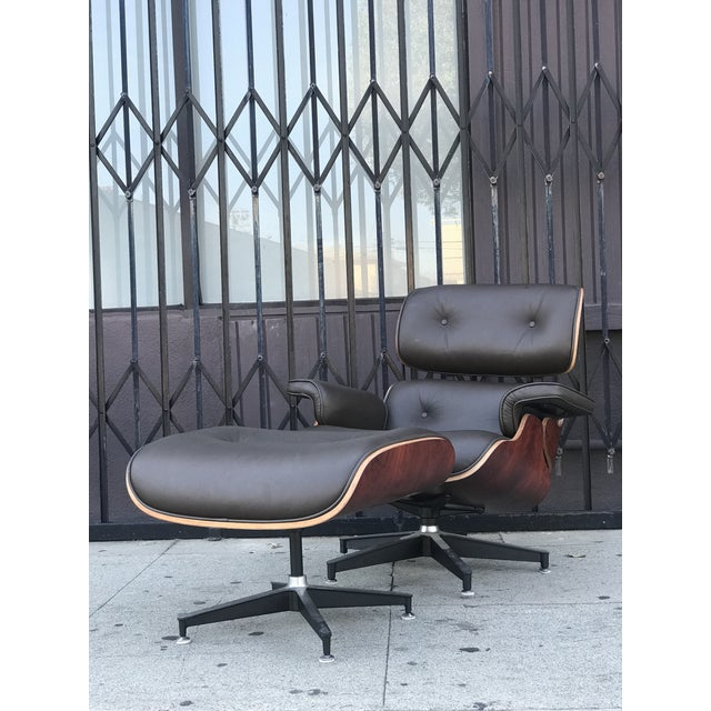 Mid-Century Modern Mid Century Style Lounge Chair and Ottoman For Sale - Image 3 of 13
