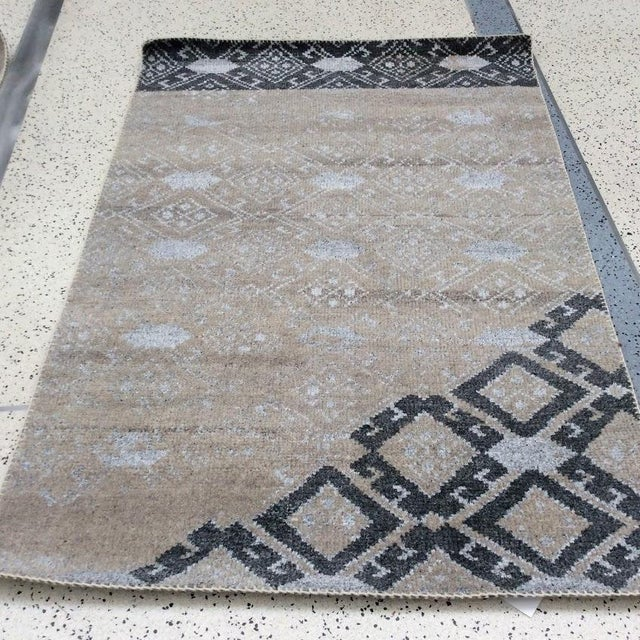 Moroccan Inspired Grey Rug All wool. Hand-knotted in India.