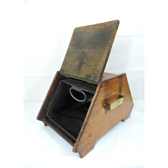 Gold 20th Century Traditional Oak Coal Purdonium or Scuttle For Sale - Image 8 of 8