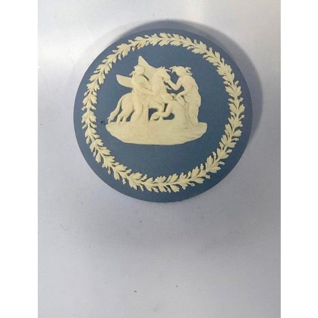 Wedgwood Vintage Mid-Century Wedgewood Jasperware Trinket Box For Sale - Image 4 of 6
