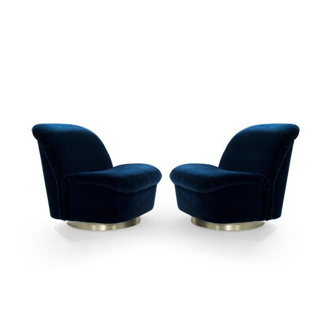 Blue Navy Blue Mohair and Brass Seating Suite by Directional, 1960s - Set of 4 For Sale - Image 8 of 9