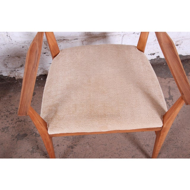 Wood Paul McCobb for Calvin Mid-Century Modern Sculpted Walnut Bow Tie Armchairs - a Pair For Sale - Image 7 of 9