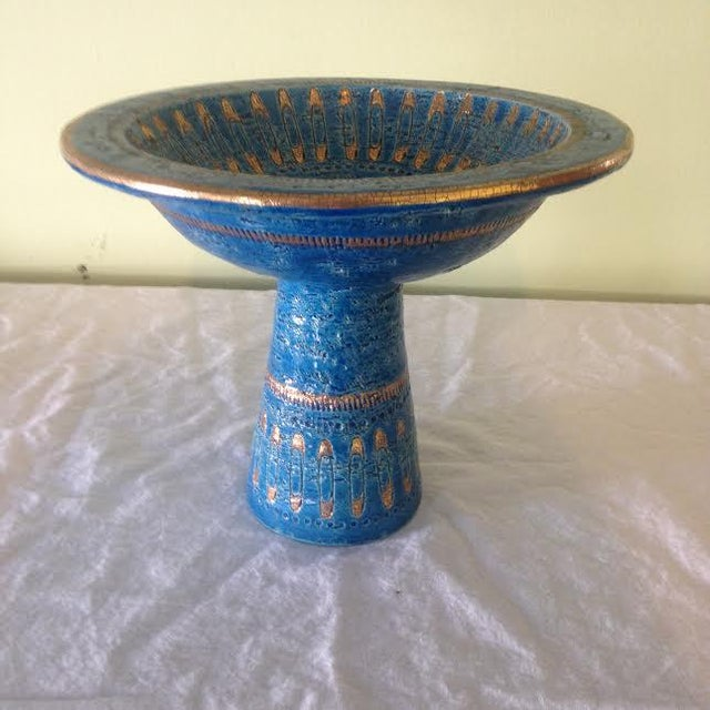"""Italian Mid Century Modern Bitossi footed bowl in the """"safety pins"""" pattern. An uncommon piece for shelf or counter."""