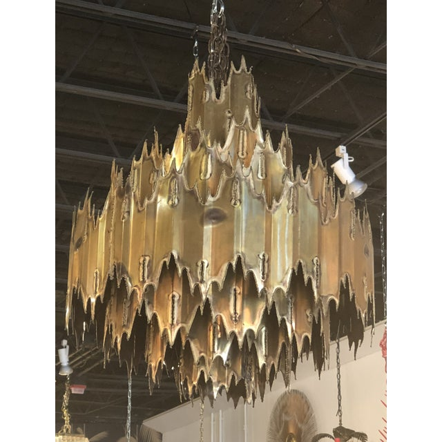 Vintage Tom Greene for Feldman Brutalist Torch Cut Brass 7 Tier Chandelier For Sale - Image 9 of 11