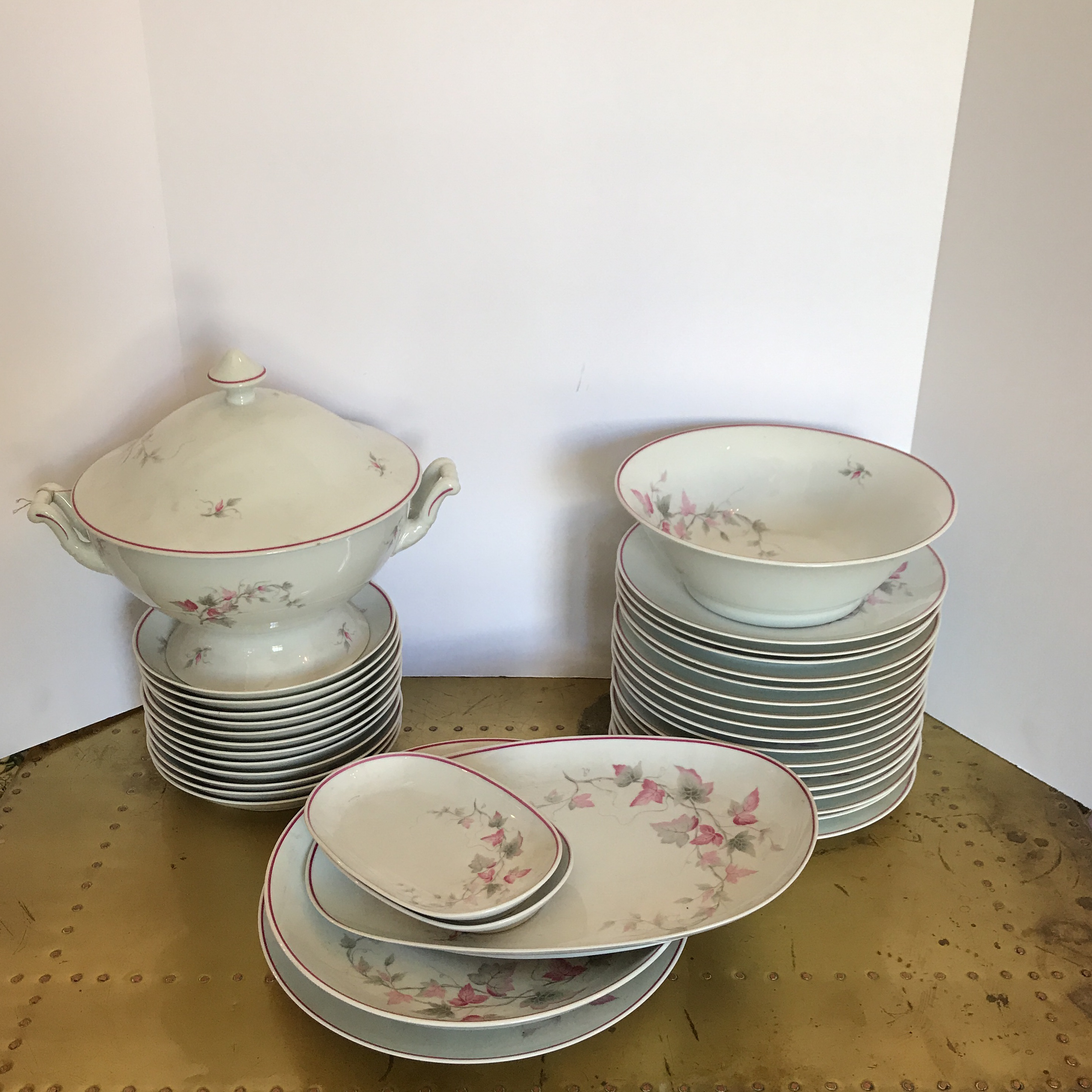 Limoges Porcelain Dinnerware - 36 Pieces - Image 2 of 8 & Limoges Porcelain Dinnerware - 36 Pieces | Chairish