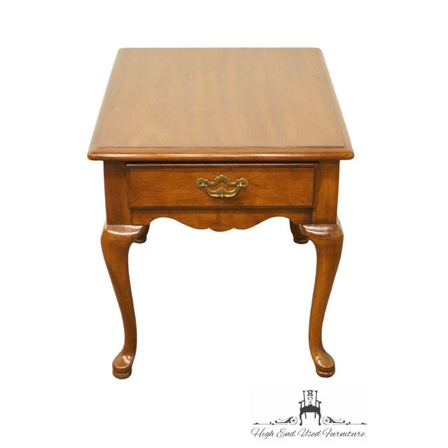 Thomasville Furniture cherry wood end/lamp table featuring a single drawer.