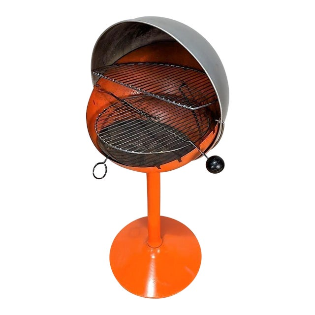 1960s Vintage Atomic Spherical Clamshell Shepherd Ball Grill by Bill Wiggins For Sale