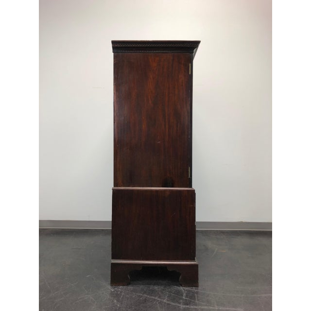 Chippendale Antique Late 18th / Early 19th Century Walnut & Mahogany Chippendale Linen Press For Sale - Image 3 of 13