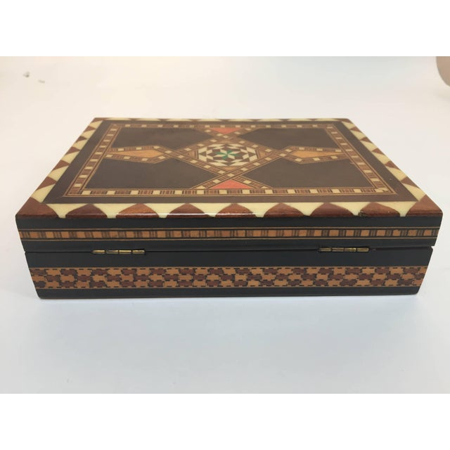 Middle Eastern Syrian Inlaid Marquetry Mosaic Box For Sale - Image 4 of 7
