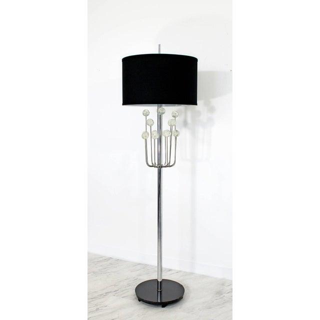 Laurel Lamp Company Mid-Century Modern Chrome Floor Lamp Lucite Balls by Laurel For Sale - Image 4 of 11