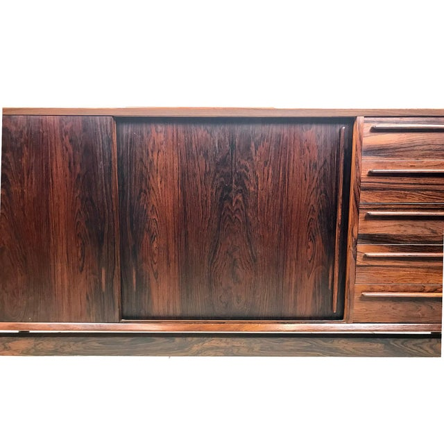 Wood h.p. Hansen Danish Rosewood Credenza MCM For Sale - Image 7 of 13