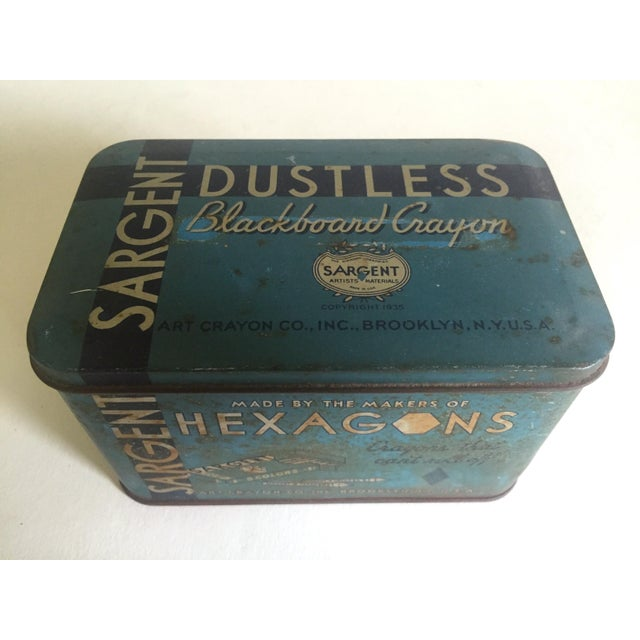 """Farmhouse Rare Vintage 1930's """"Sargent Dustless Blackboard Crayons Brooklyn New York"""" Lithograph Print Tin Box For Sale - Image 3 of 11"""