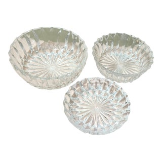 20th Century Traditional Crystal Nesting Bowls - Set of 3