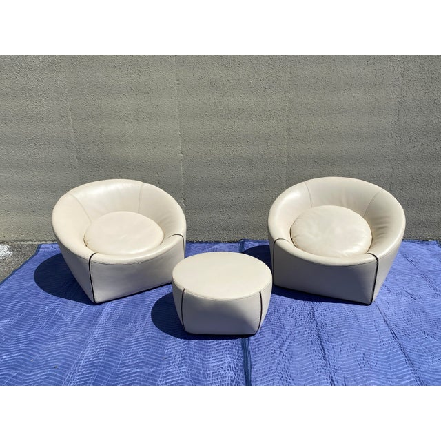 2004 Minotti Capri White Leather Chairs and Ottoman- 3 Pieces For Sale - Image 13 of 13