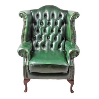 1900s English Traditional Green Tufted Leather Wingback Chair